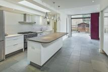 4 bed Town House to rent in Elm Grove Road SW13