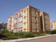 Flat to rent in Oriel Drive...
