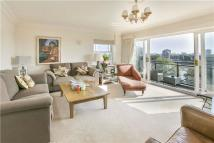 3 bed Flat in Wyatt Drive, Barnes...