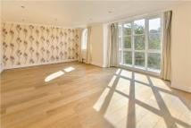 Flat to rent in Keble Place...