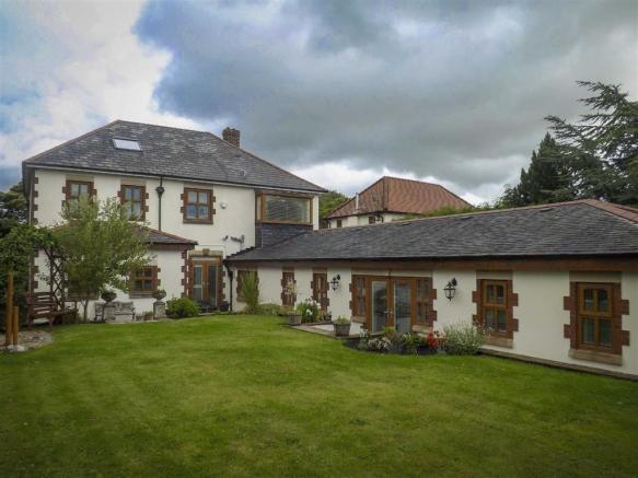 4 Bedroom Detached House For Sale In Hollins Lane Baxenden Lancashire Bb5