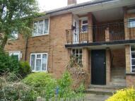 Apartment in Cranbrook Close...