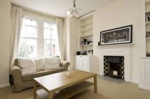 Flat to rent in Collingbourne Road...