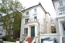 Flat to rent in Buckland Crescent...