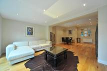 3 bed Flat in Abbey Road...