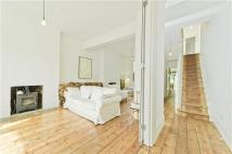 Terraced property to rent in Mansfield Road, London