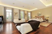 3 bed Apartment to rent in Holland Park W11