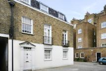 Mews to rent in Queens Gate Mews...