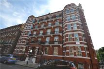 2 bedroom Flat to rent in Nevern Square, London