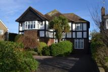 5 bed Detached property in GORING HALL