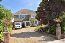 4 bed house in Amberley Drive...