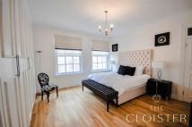 2 bed Apartment in Grosvenor Square...