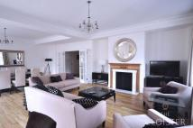 2 bedroom Flat to rent in Grosvenor Square...