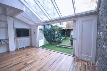 2 bedroom End of Terrace house to rent in Chalcot Crescent...