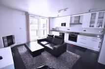 3 bed Flat in Alban House...