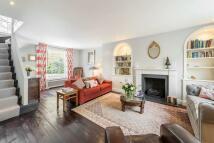 1 bedroom Flat to rent in Kinnerton Street...