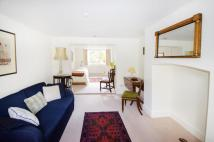 Flat to rent in Stonefield Street...
