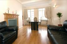 3 bed Flat in Park Road, Baker Street