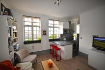 1 bed Flat to rent in Beaumont Court...