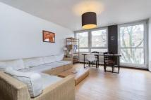 Flat to rent in Albany Street...