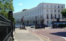 2 bed Flat to rent in Park Crescent...