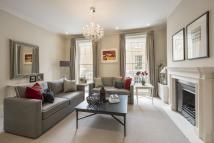 Motcomb Street Flat to rent