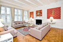 Knightsbridge Flat to rent