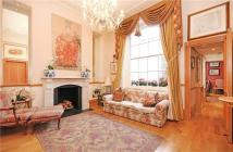 4 bedroom Flat to rent in West Halkin Street...