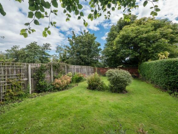 18 stoneyhill court musselburgh, sunny externals-8