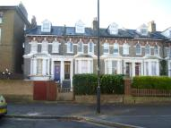 Flat to rent in Linden Grove, Nunhead...