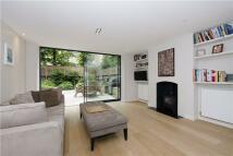 4 bedroom semi detached house to rent in Lanark Road...