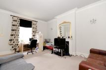 Flat in Blomfield Road W9