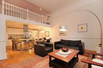 2 bedroom Apartment in Lauderdale Road Little...