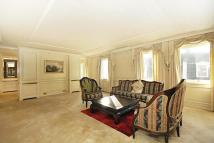 4 bed Flat to rent in Glendore House, 30...
