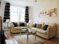 2 bedroom Flat to rent in Upper Grosvenor Street...