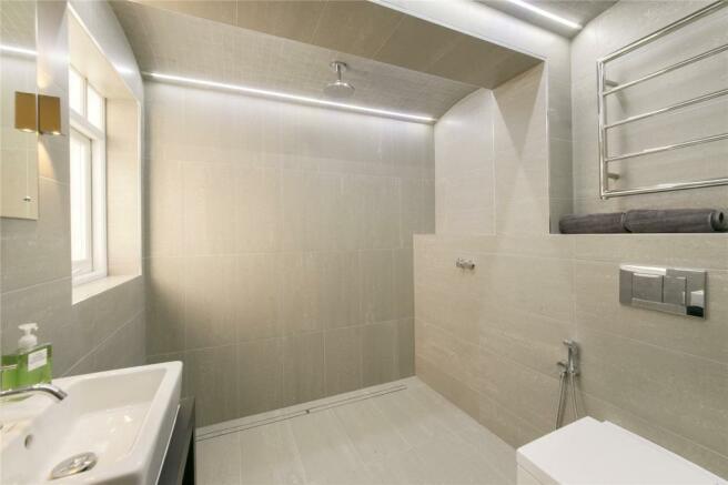 En-Sutie Bathroom