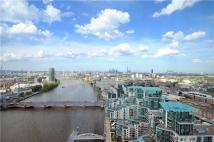 3 bed house in St George Wharf, London