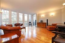 3 bed Flat in St Johns, 79...