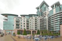 2 bedroom Flat in St George Wharf, London