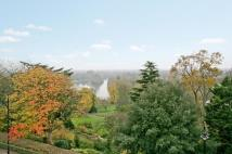 2 bedroom Flat in .Richmond Hill, Richmond...