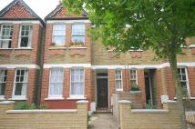 Flat to rent in Darrell Road, Richmond...