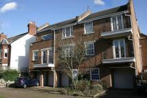 Flat to rent in Cedar Terrace, Richmond...