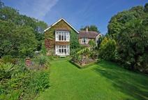 5 bedroom Detached property for sale in HAMPTON PARK