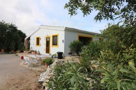 Image 1, 5 Bedroomed Villa : JV1753