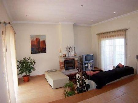 Image 4, 3 Bedroomed Villa : AV672