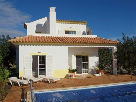 Image 1, 3 Bedroomed Villa : LV3891