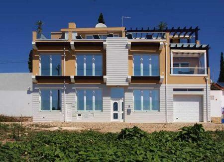 Image 1, 4 Bedroomed Villa : GV060