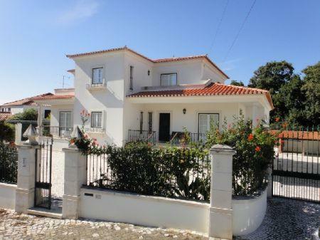 Image 1, 7 Bedroomed Villa : AV864