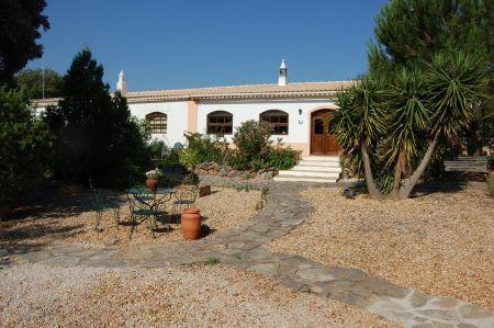 Image 2, 5 Bedroomed Villa : LV3841