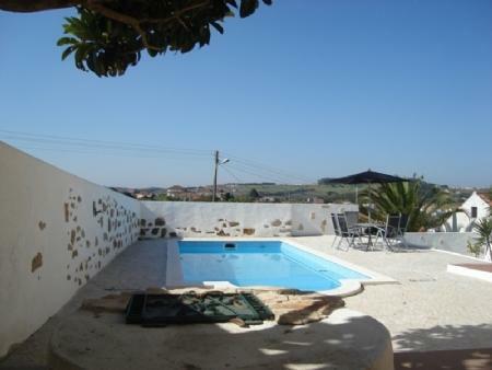 Image 2, 3 Bedroomed Villa : AV923